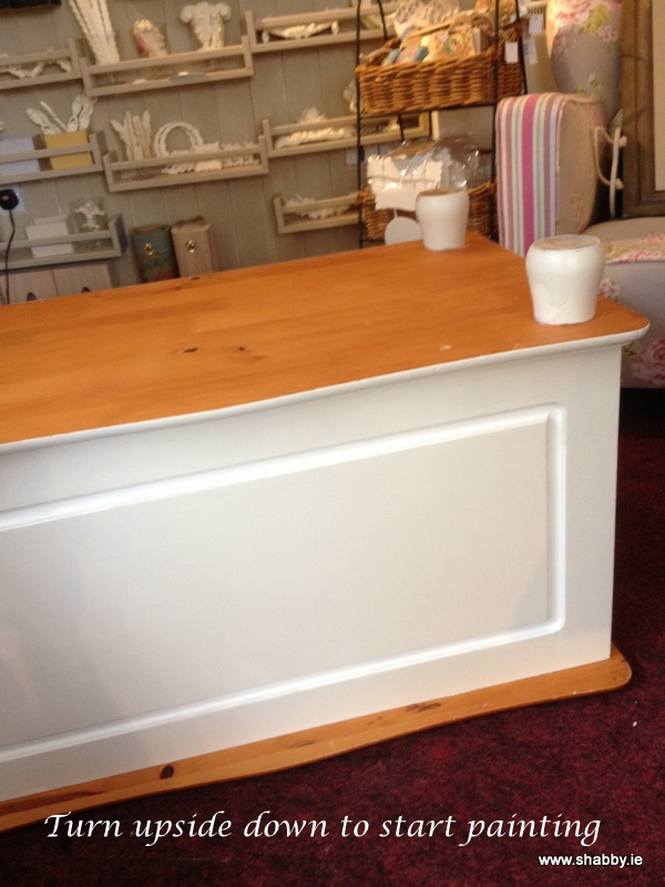 Upcycle and Restyle a Supervalue Blanket Box in a matter of hours ..