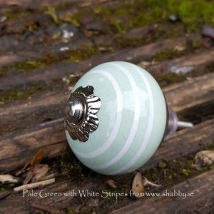 Pale Green Ceramic Knob with Cream Heart Detail